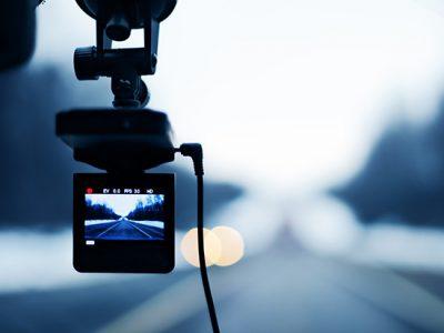 Jak wybrać właściwą kamerę samochodową?